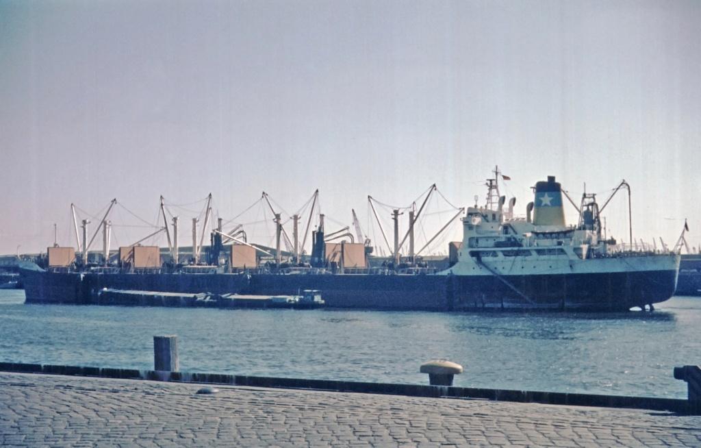 Photos Navires du monde construit entre 1950-1960 (1) Kythno10