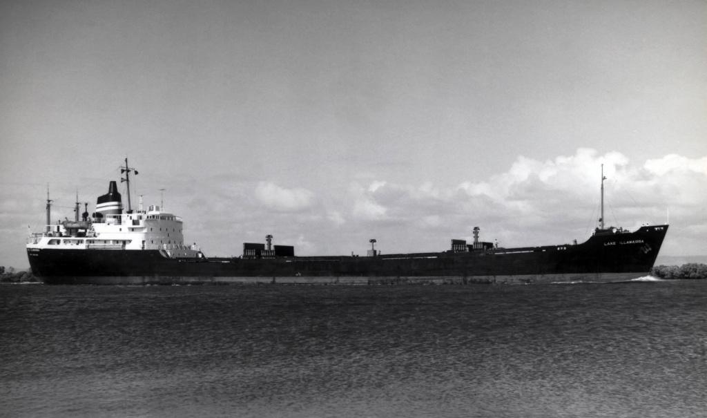 Photos Navires du monde construit entre 1950-1960 (4) Lake_i10