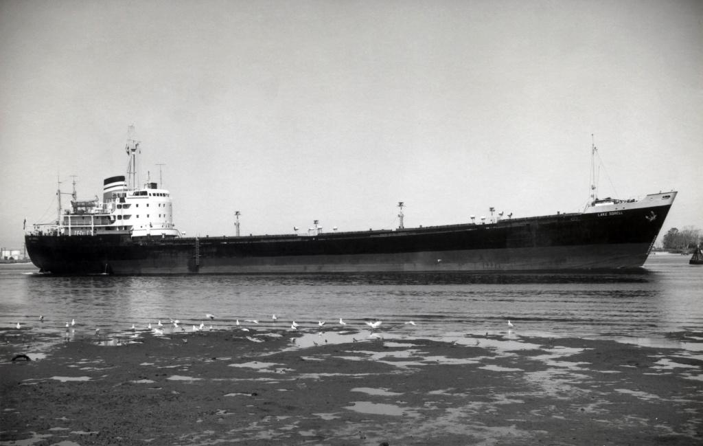 Photos Navires du monde construit entre 1950-1960 (4) Lake_s10