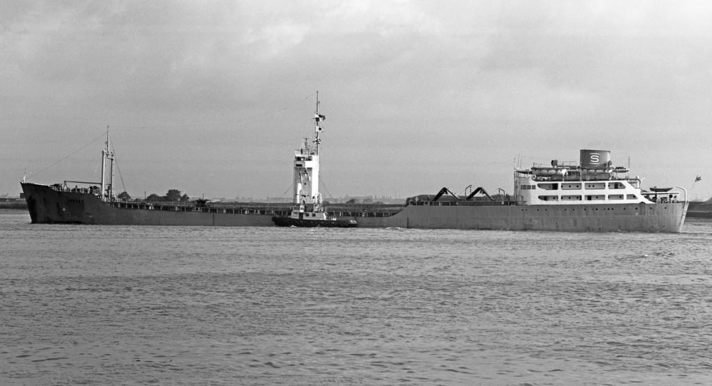 Photos Navires du monde construit entre 1950-1960 (2) Ledaro10
