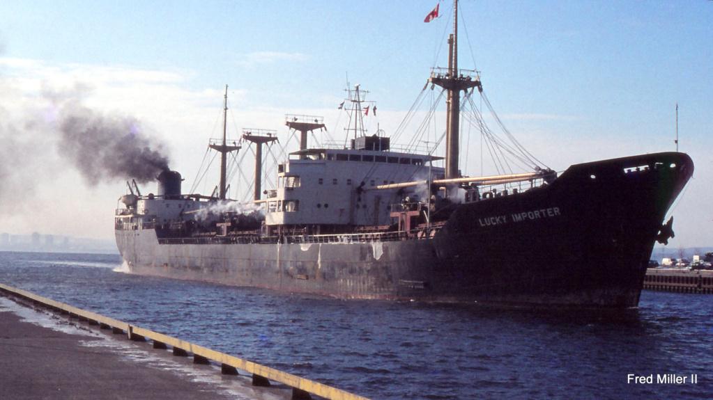 Photos Navires du monde construit entre 1950-1960 (6) Lucky_10