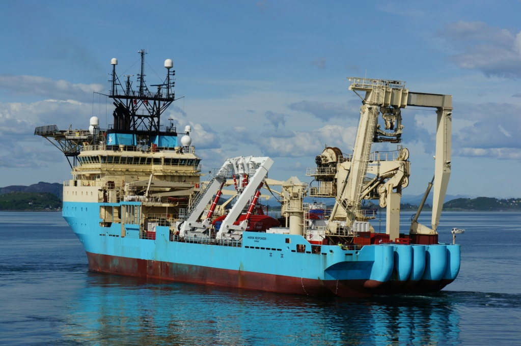 Navire de pose de câbles en feu, les 60 membres du personnel Maersk18