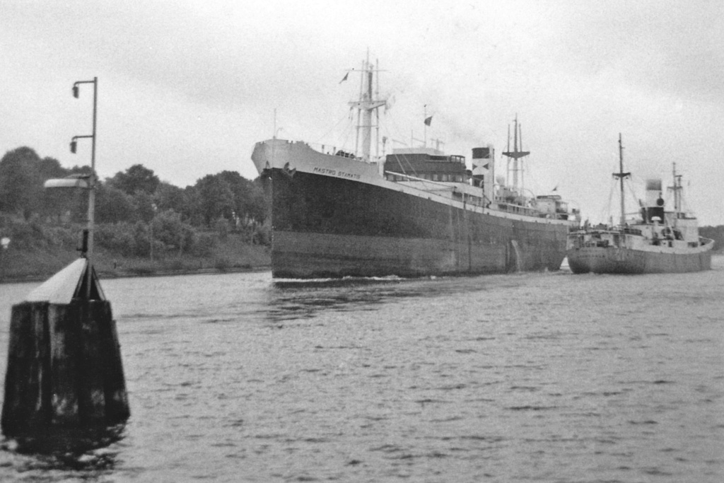 Photos General cargo avant 1940 (Plus 3000gt) 3 Mastro10