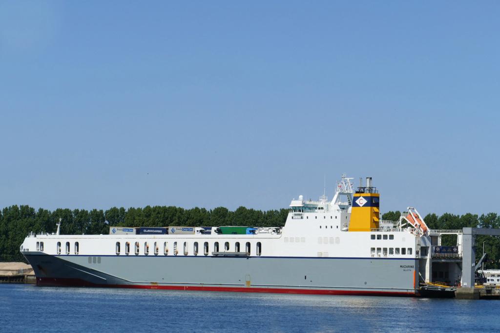Photos de navires Luxembourgeois Armateur enre Belgique M Mazari10