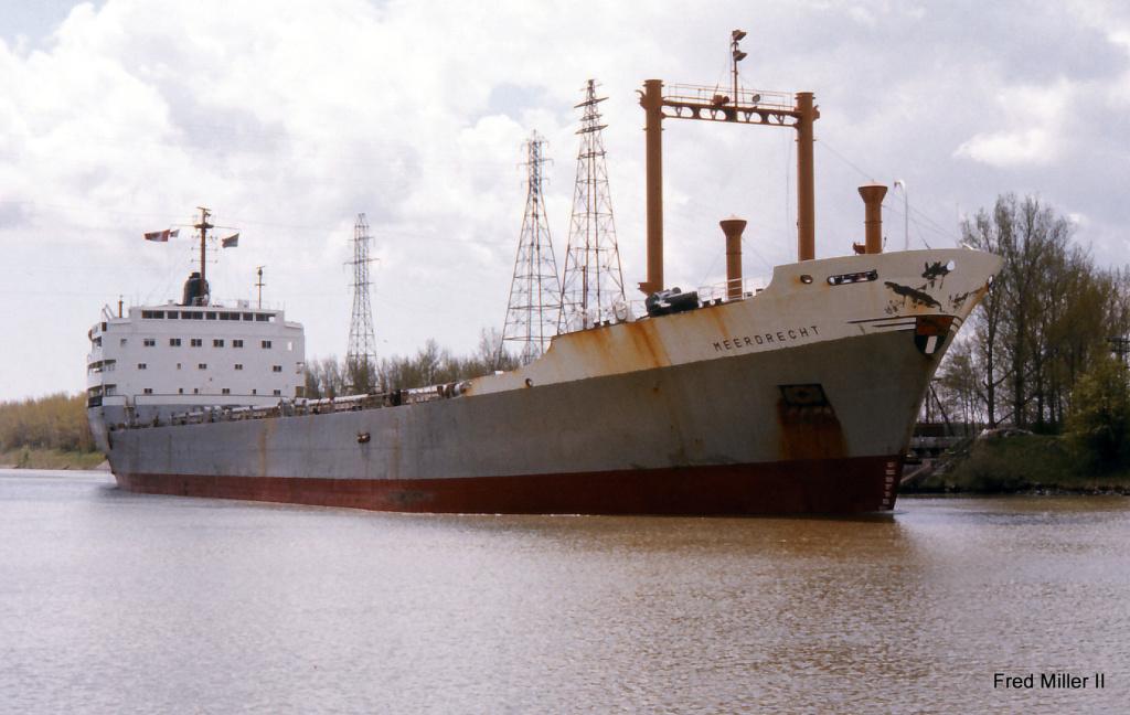 Photos Navires du monde construit entre 1950-1960 (5) Meerde10