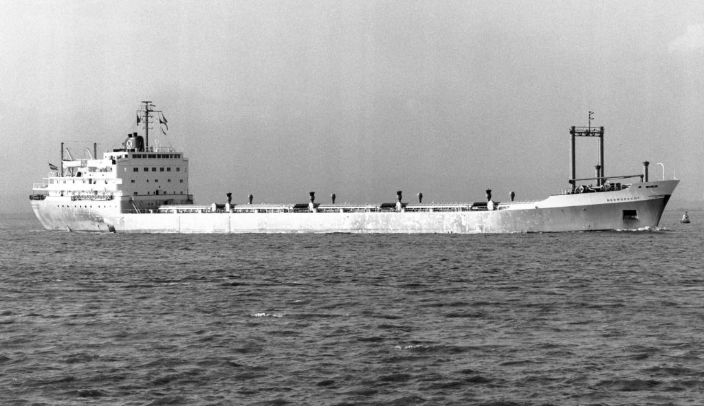 Photos Navires du monde construit entre 1950-1960 (1) Meerdr10