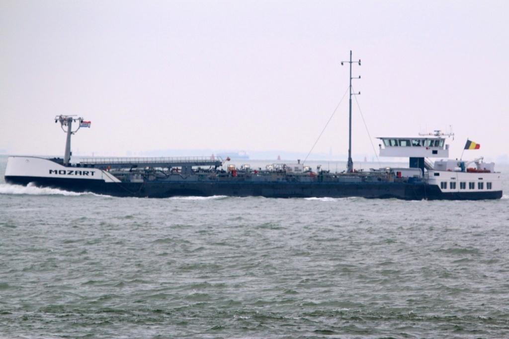 Photos des Navires Belge de la marchande,Fluviale et Pêche 2 Mozart10