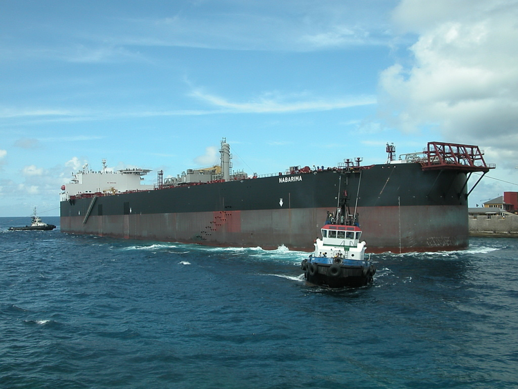 FSO NABARIMA with 173,000 tons of oil on board suffering wat Nabari11
