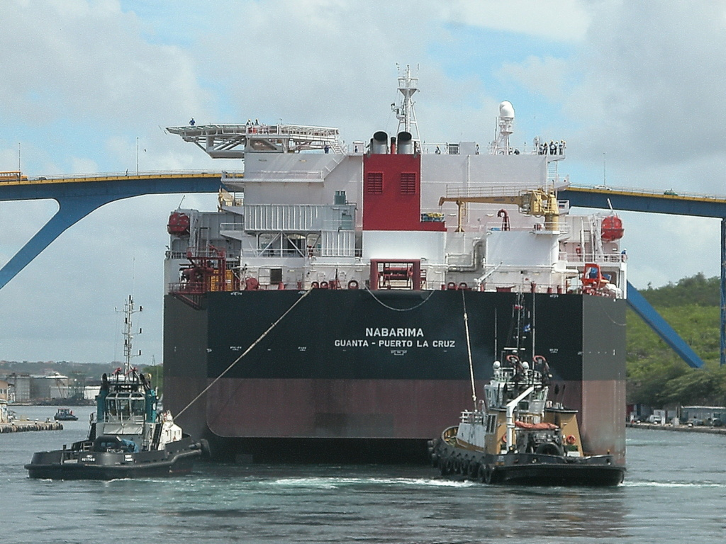FSO NABARIMA with 173,000 tons of oil on board suffering wat Nabari12