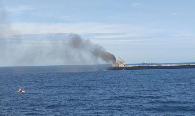 Explosion et incendie sur un pétrolier près du Sri Lanka - Page 2 Ndcrew11