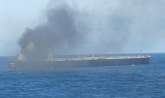 Explosion et incendie sur un pétrolier près du Sri Lanka - Page 2 Ndcrew13