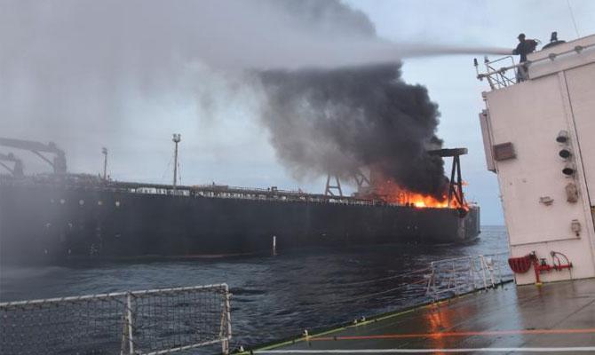 Explosion et incendie sur un pétrolier près du Sri Lanka Newdia10