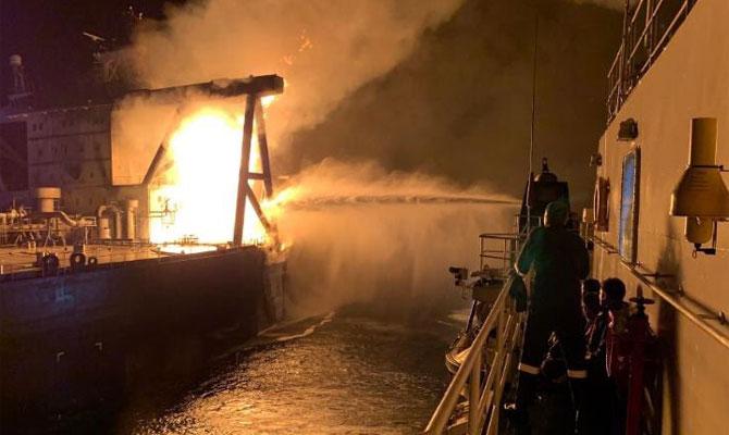 Explosion et incendie sur un pétrolier près du Sri Lanka Newdia12