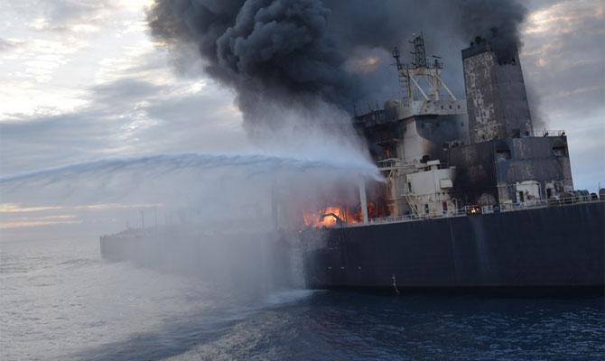 Explosion et incendie sur un pétrolier près du Sri Lanka Newdia13