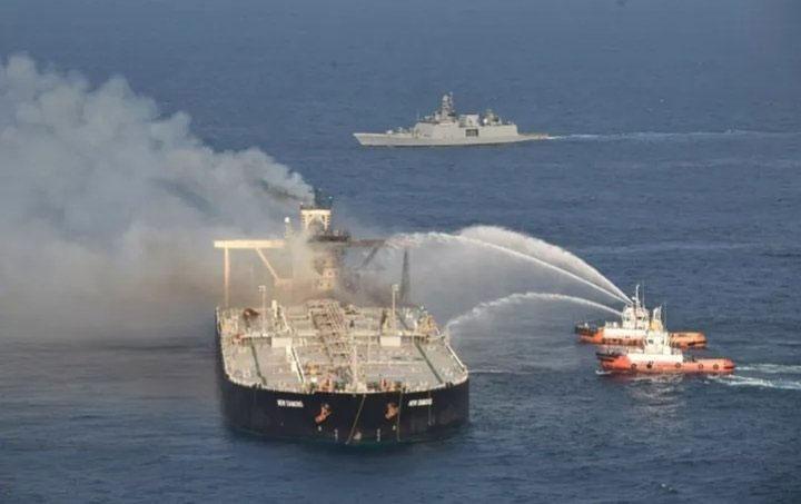 Explosion et incendie sur un pétrolier près du Sri Lanka - Page 2 Newdia20