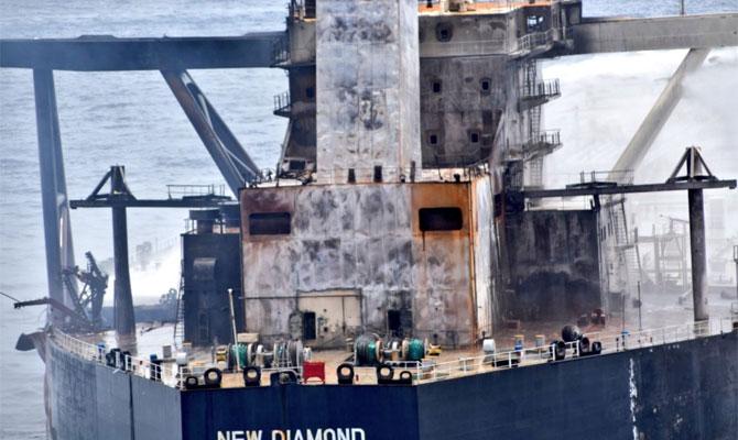 Explosion et incendie sur un pétrolier près du Sri Lanka - Page 2 Newdia27