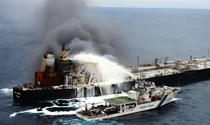 Explosion et incendie sur un pétrolier près du Sri Lanka - Page 2 Newdia30