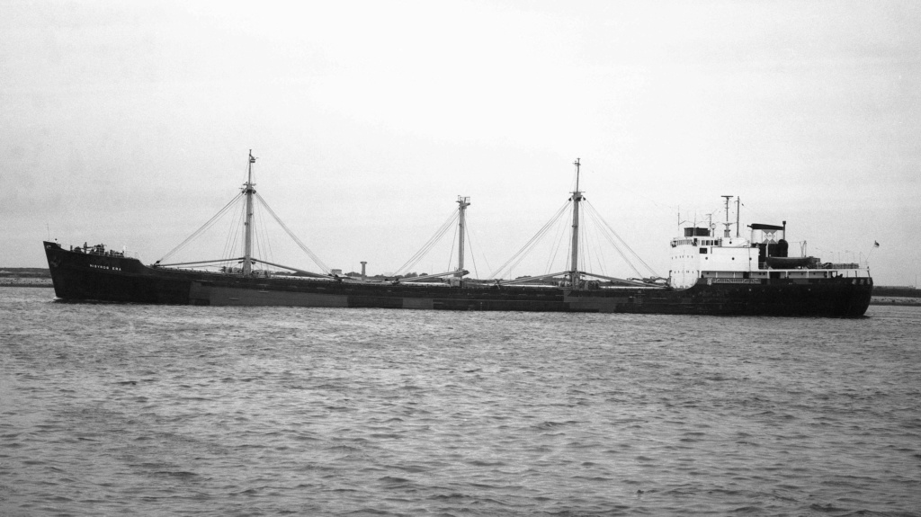 Photos Navires du monde construit entre 1950-1960 (2) Nisyro10
