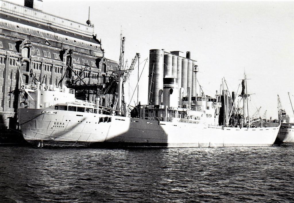 Photos General cargo avant 1940 (Plus 3000gt) 5  Ogna_i10