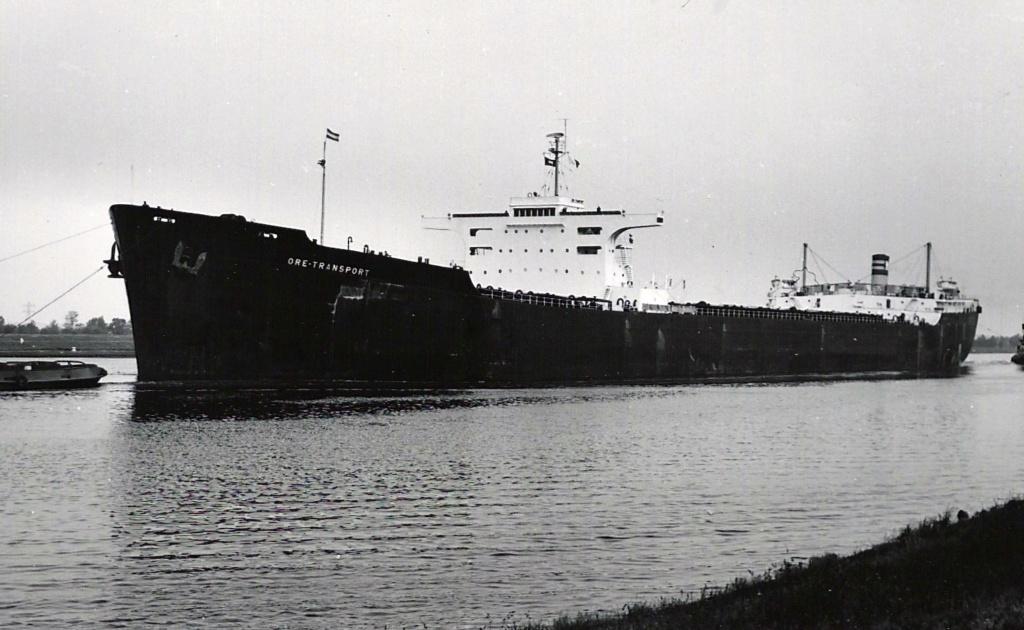 Photos Navires du monde construit entre 1950-1960 (4) Ore_tr10