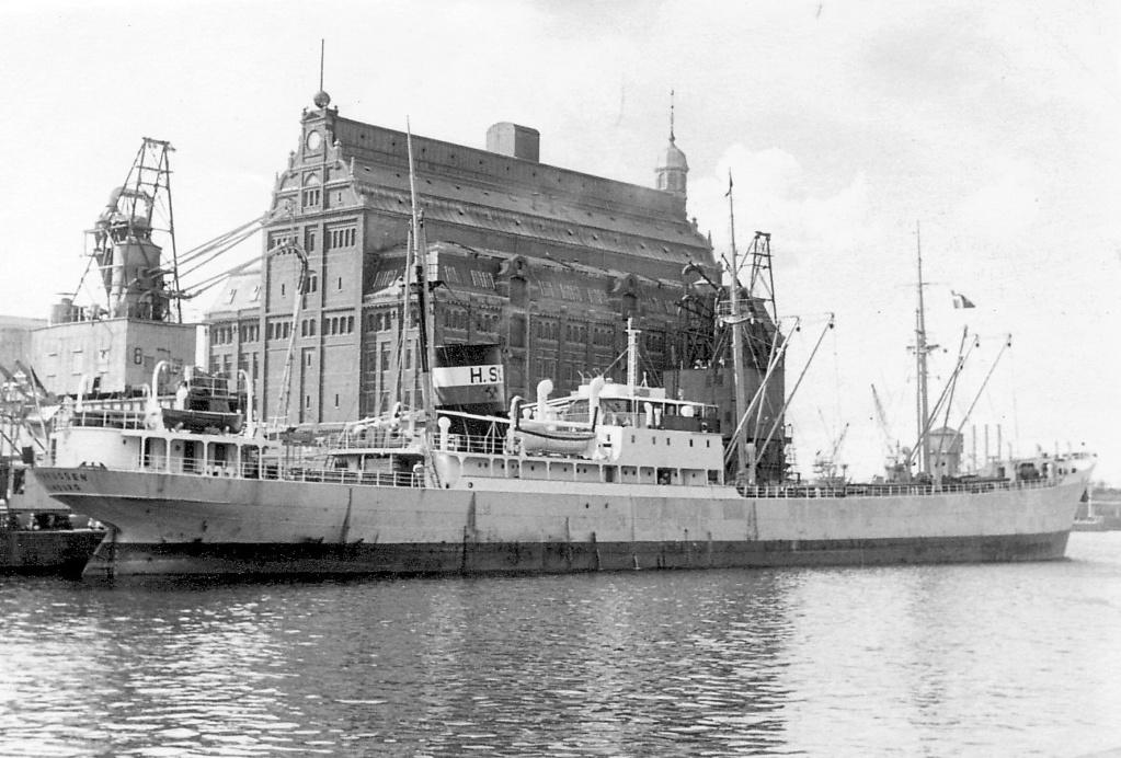 Photos General cargo avant 1940 (Plus 3000gt) 5  Ostpre11