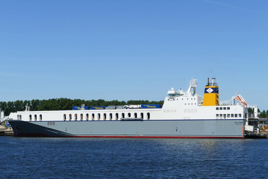 Photos de navires Luxembourgeois Armateur enre Belgique N/S Palati10