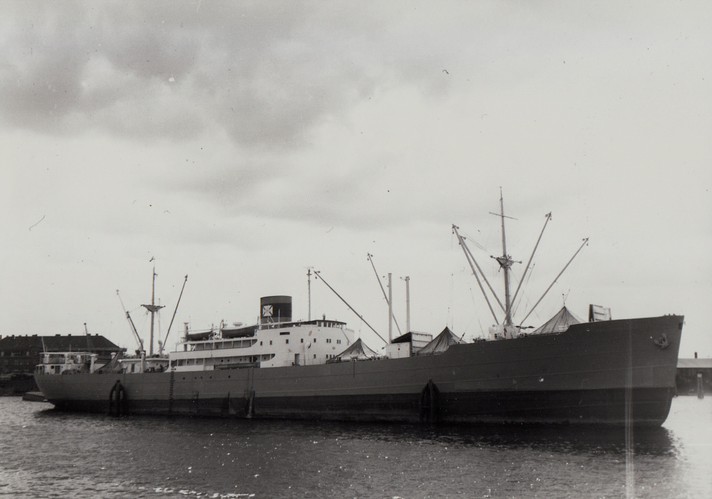 Photos General cargo avant 1940 (Plus 3000gt) 5  Popi_p10