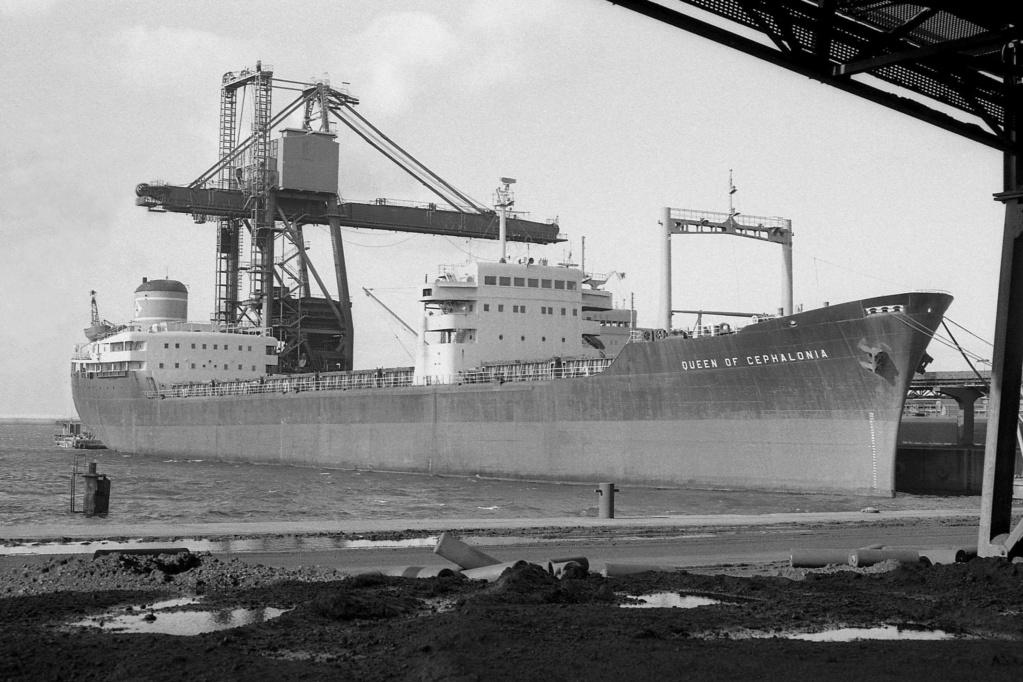 Photos Navires du monde construit entre 1950-1960 (4) Queen_10
