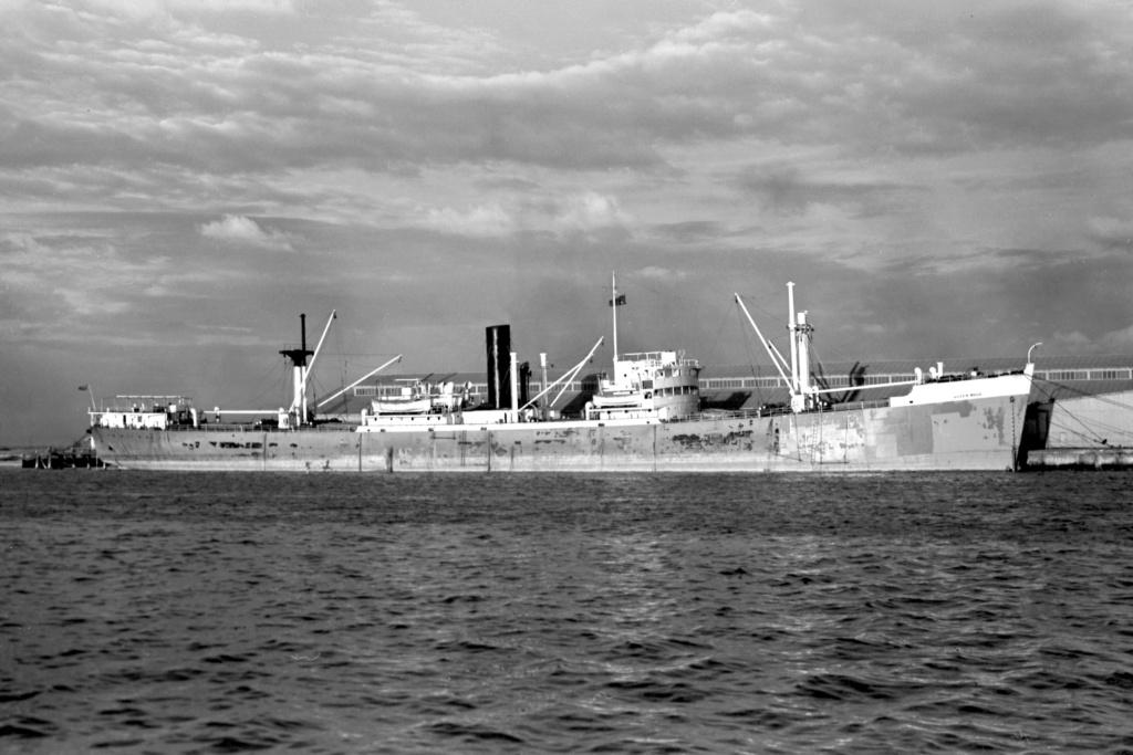 Photos General cargo avant 1940 (Plus 3000gt) 25 Queen_11