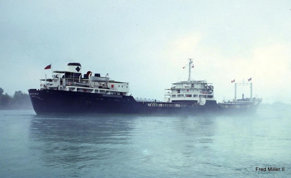 Photos Navires du monde construit entre 1950-1960 (7) Queens10