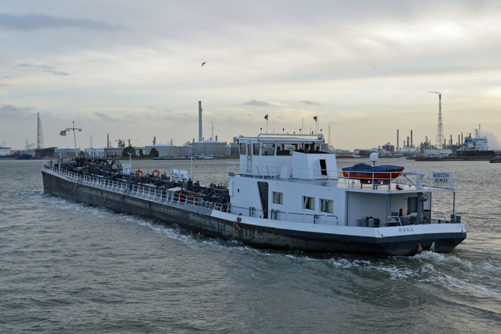 Photos de navires Luxembourgeois Armateur enre Belgique N/S Rana_i10