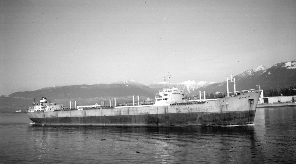 Photos Navires du monde construit entre 1950-1960 (4) Resolu10