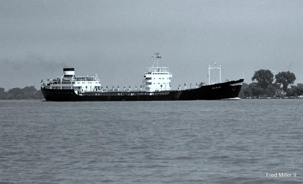 Photos Navires du monde construit entre 1950-1960 (6) Skrim_10