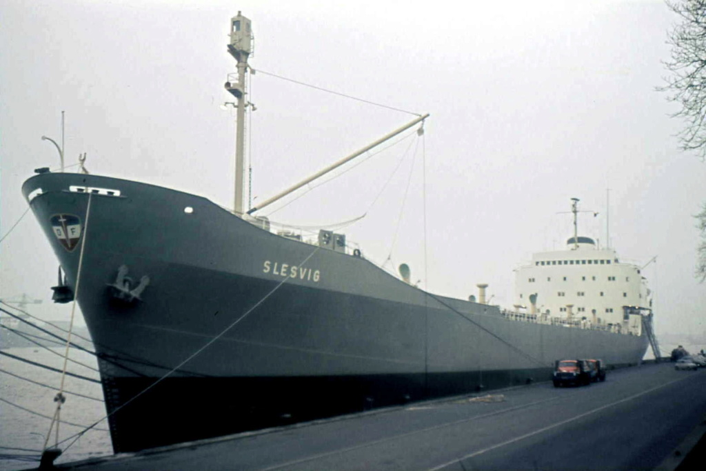 Photos Navires du monde construit entre 1950-1960 (4) Slesvi10