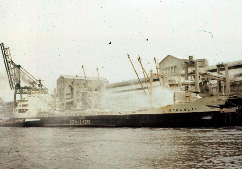 Photos Navires du monde construit entre 1950-1960 (5) Sohanl10