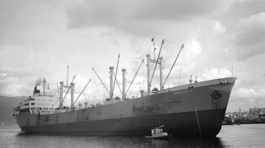 Photos Navires du monde construit entre 1950-1960 (4) Sounio10