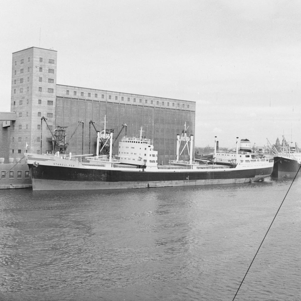 Photos Navires du monde construit entre 1950-1960 (1) Starcl10
