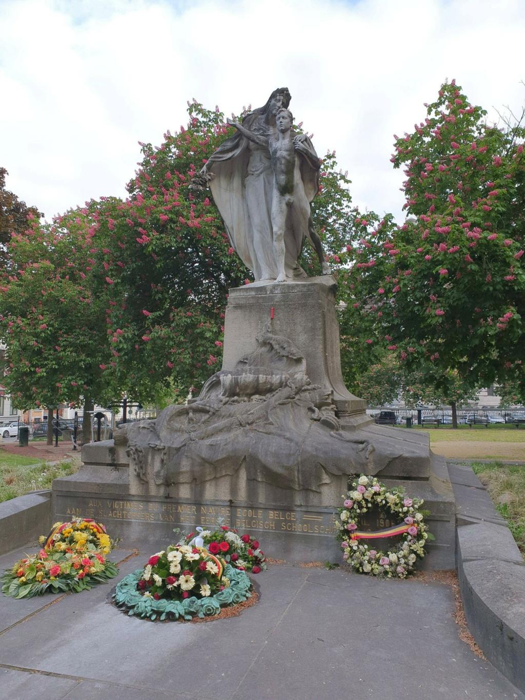 Le Comte de Smet de Naeyer navire-école belge Statue11