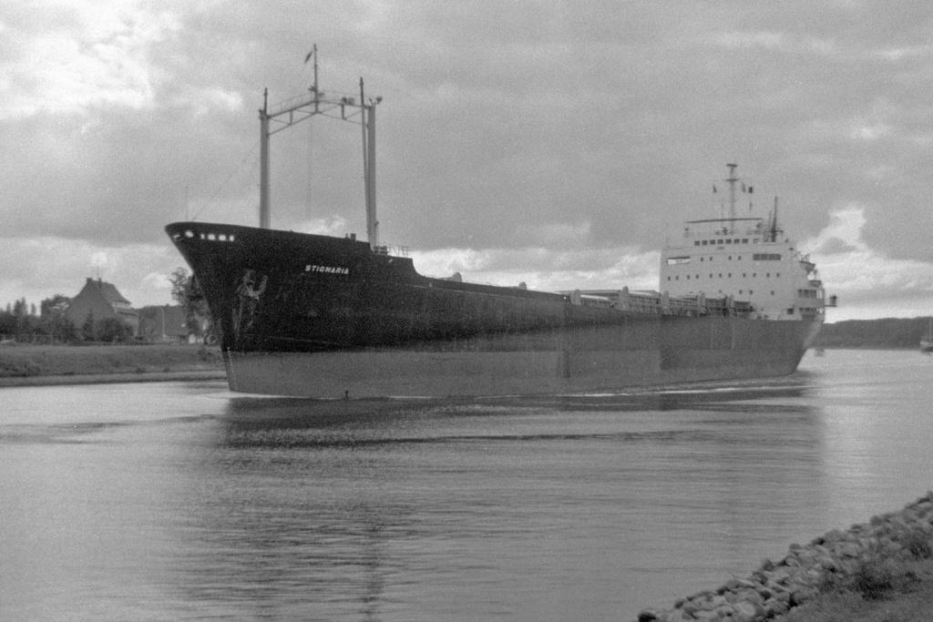 Photos Navires du monde construit entre 1950-1960 (2) Stigma10