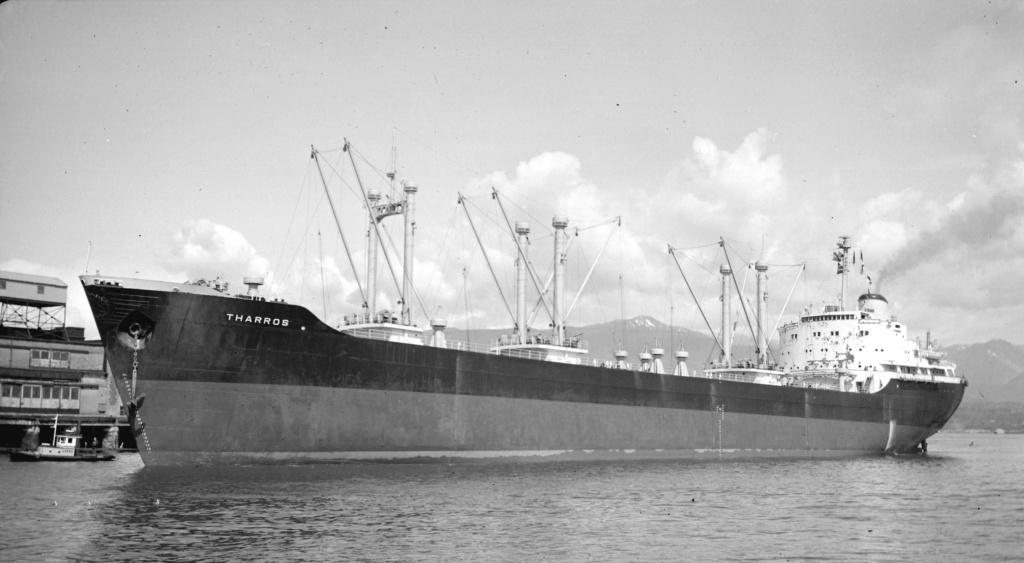 Photos Navires du monde construit entre 1950-1960 (4) Tharro10