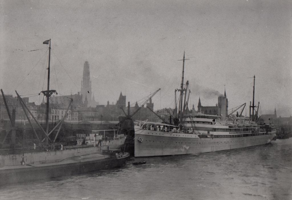 Photos General cargo avant 1940 (Plus 3000gt) 5  Thysvi10