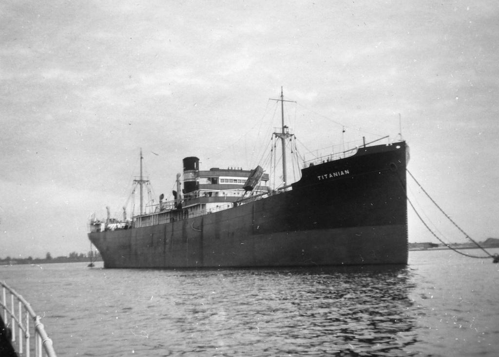 Photos General cargo avant 1940 (Plus 3000gt) 7  Titani10