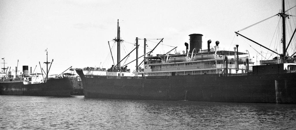 Photos General cargo avant 1940 (Plus 3000gt) 1  Triast10