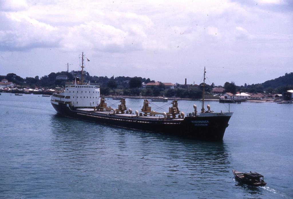 Photos Navires du monde construit entre 1950-1960 (7) Ugleur10
