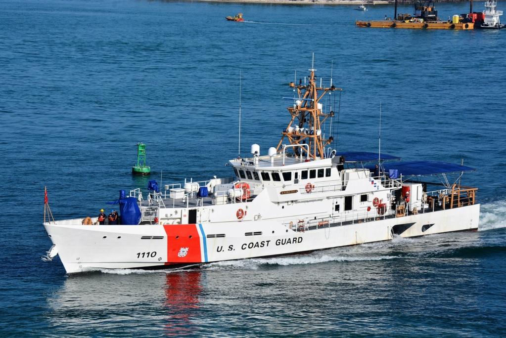 Sauvetage audacieux par le boxship COSCO et la Garde côtière Uscgc_10