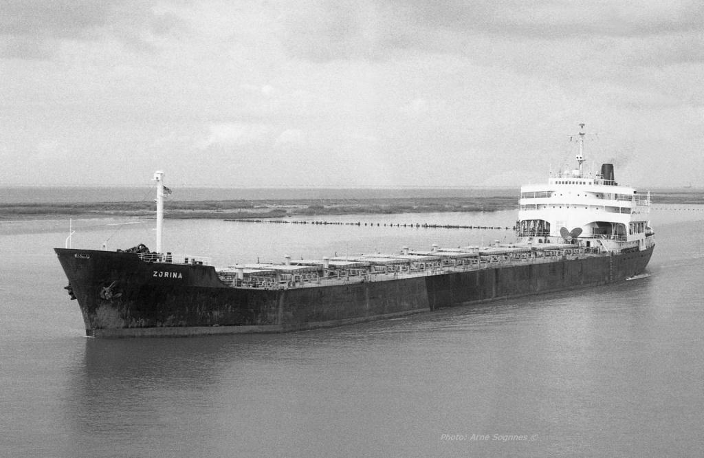 Photos Navires du monde construit entre 1950-1960 (1) Zorina10
