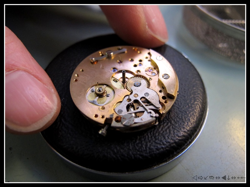 révision d'une omega speedmaster 105012 calbre 321 1ère partie Img_2830