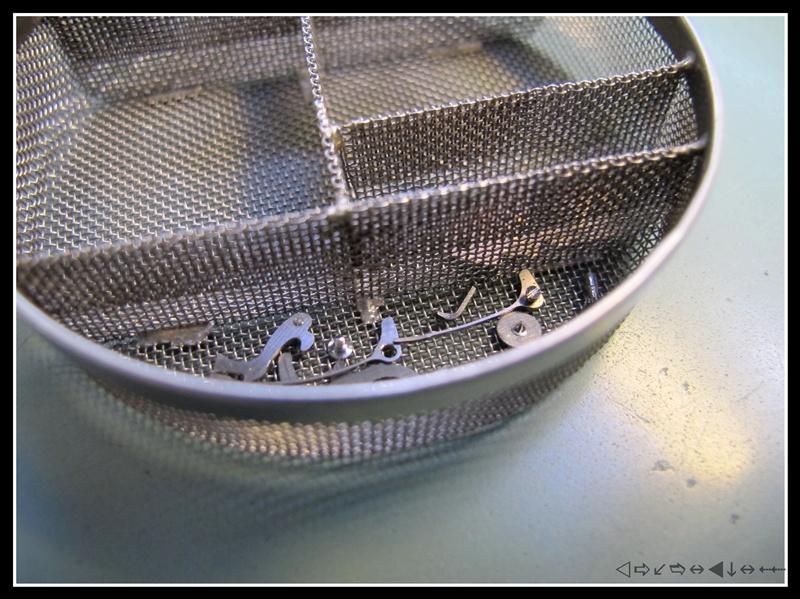 révision d'une omega speedmaster 105012 calbre 321 1ère partie Img_2831