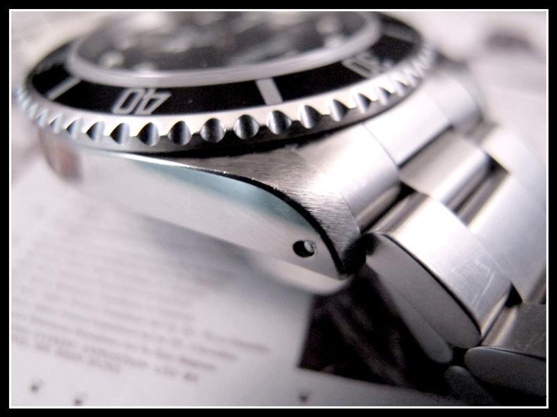 [vends] rolex submariner 14060 2 lignes 2001 révisée, complète 3950 euro Img_3511