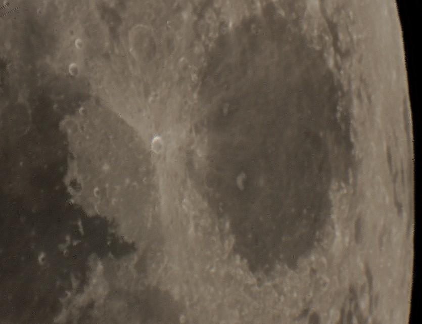 Lune de fin d'hiver Lune1010